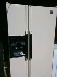 white side-by-side refrigerator with dispenser Virginia Beach, 23464
