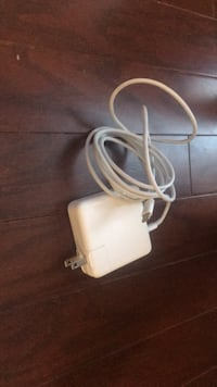 Genuine Apple 61W USC-C Power Adapter Chantilly, 20152