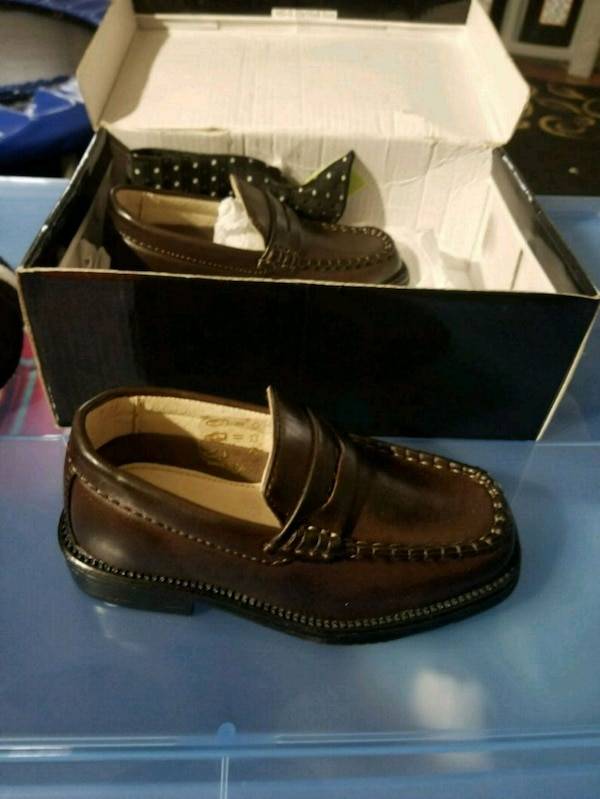 c96e08270fbbf Used Baby boy size 6 dark brown dress shoes for sale in Baldwin - letgo