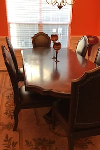 Dining Table with Chairs + Leaf Stallings, 28105