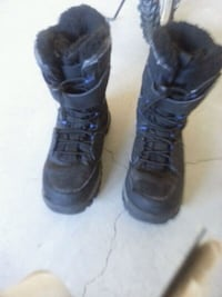 Boy boot size 8 Calgary, T3R 0T6