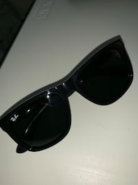 RAYBAN's New, with case Manteca, 95336