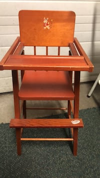Baby  high chair 284 mi
