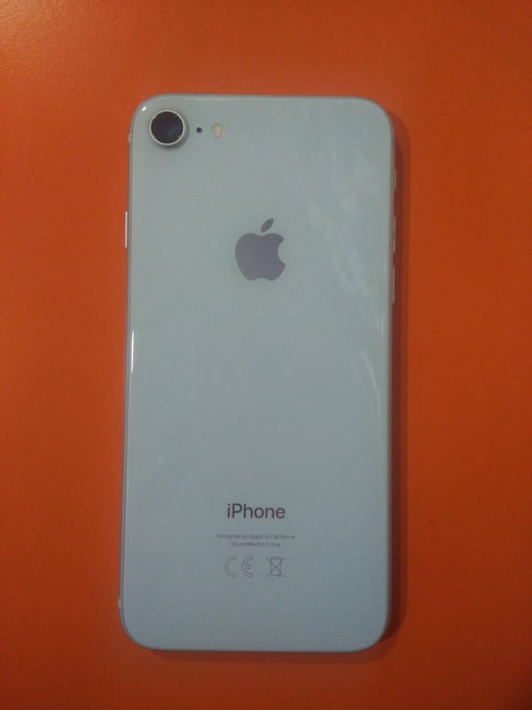 iPhone 8 cc1362a2-1670-40d6-81e3-d2c660c79068
