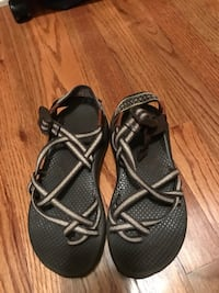 Women's size 5 chacos