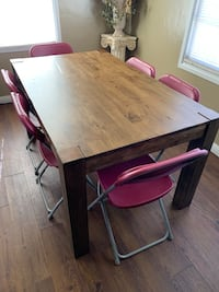 Dining table for 6 Like New! No chairs Bakersfield, 93301
