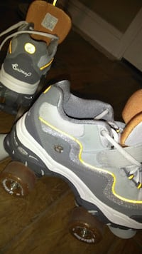 pair of gray-and-yellow Nike sneakers Roseville, 95747