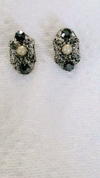 Vintage Black Crystals  And Pearls Earrings Markham, L6B 1G6