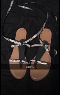 pair of brown-and-white leather sandals Redding, 96002