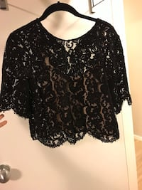 Aritzia Wilfred lace cropped blouse size small  Toronto, M4P 1R2