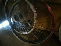 black and gray bicycle wheel Bakersfield, 93305