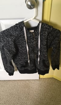 Ardene zip up sweater medium  Spruce Grove, T7X 2V6