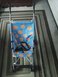 Stroller like new $15 39 km