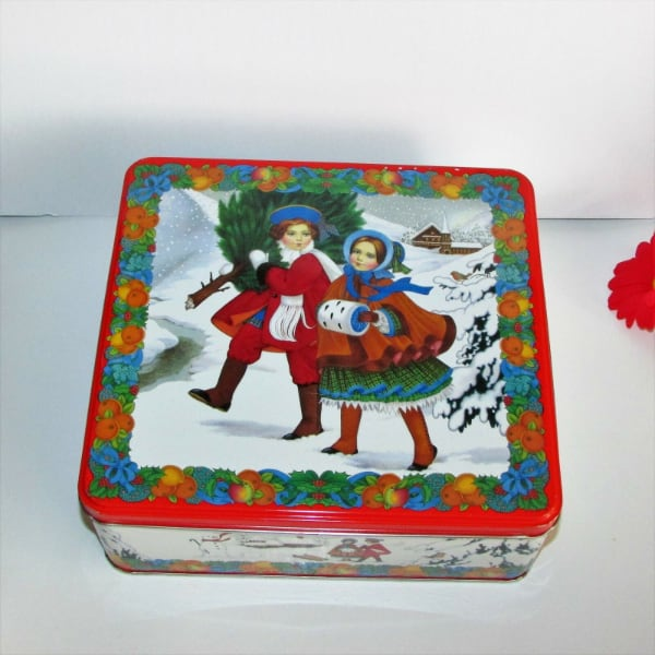Christmas Cookie/Candy Tin Winter Tree Snow