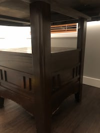 Dining Table & Chairs (5)