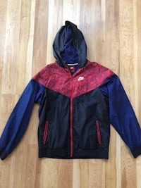 Nike Windbreaker boys size XL navy red blue worn once porch pick up  Old Bridge, 08857