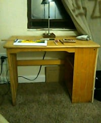 Solid wood desk Albuquerque, 87106
