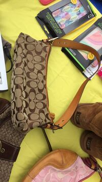 brown and black monogram Coach crossbody bag Brooklyn, 21225