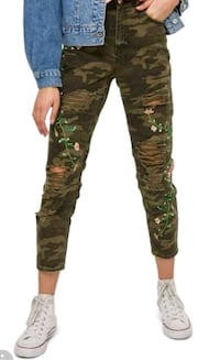 women's brown and black camouflage pants Toronto, M2N