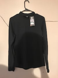 Women's under armour ( large) Must pick up.