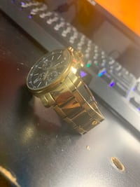 Selling fossil gold watch