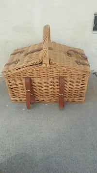Picnic Basket with Cutlery Culver City, 90230