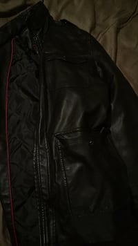izod leather jacket (medium)  Saraland, 36571