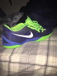 Hyperchases size 9.5 men's basketball shoes Raleigh, 27614