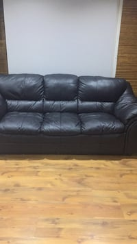 Black leather 3-seat sofa Brampton, L6T