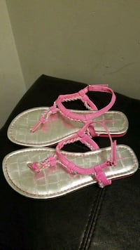 Girls Size 2 Sandals  Mississauga, L5M 0B7
