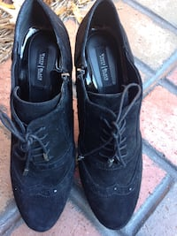 White House/Black Market suede shoes size 8