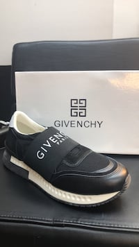 Shoes givenchy size EU 43/ us 9.5 26 km