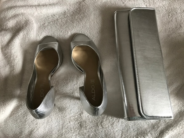 Silver / gray heels with purse