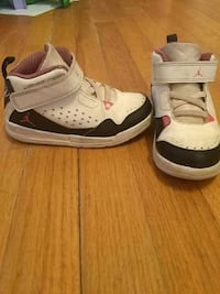 Toddler size 9 Jordans Clinton, 73601