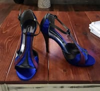 pair of blue leather open-toe heeled sandals 3150 km