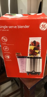 GE single serve blender- 17 pieces (never used) Portland, 97209