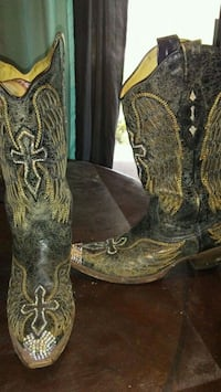 pair of brown leather cowboy boots San Angelo, 76901