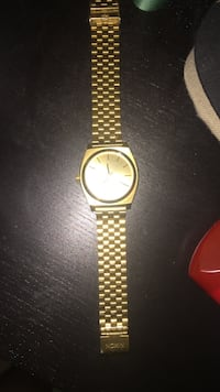 round brass analog watch with link bracelet Clarington, L1C 3K7