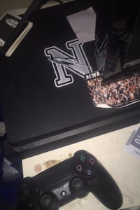 Ps4 and controller  Lincoln, 68521