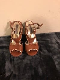Pair of brown leather open-toe sandals Bakersfield, 93308