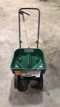 Seed and ice salt spreader Oro-Medonte, L0L