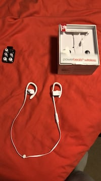 PowerBeats 3 (White) Parkville, 21234