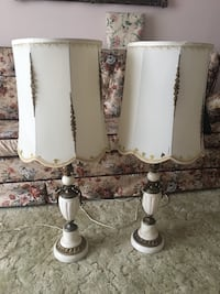 White and gray table lamp Kitchener, N2C 1G3