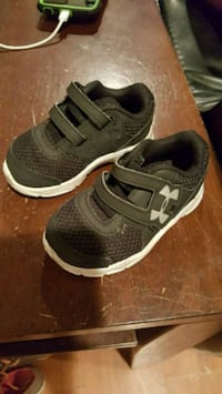 Toddler under armor tennis shoes Belleville, 62223