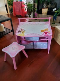 Princess art table Deatsville, 36022