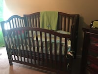 Crib and dresser combo  West Columbia, 29170