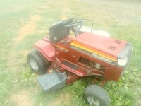 red and black Murray ride on mower Christiansburg, 24073