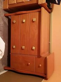 changing table dresser with 5 drawers  Ottawa, K4A 4Y4