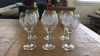 christmas wine glasses with gold trim  Wilmington, 28401
