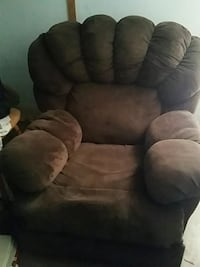 brown and black suede recliner chair Choctaw, 73020